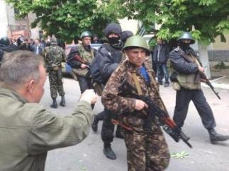 В День Победы хунта начала штурм Мариуполя