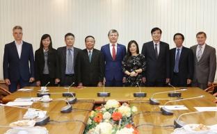 Д.Г. Новиков и Май Ван Нинь обсудили вопросы сотрудничества КПРФ и Компартии Вьетнама