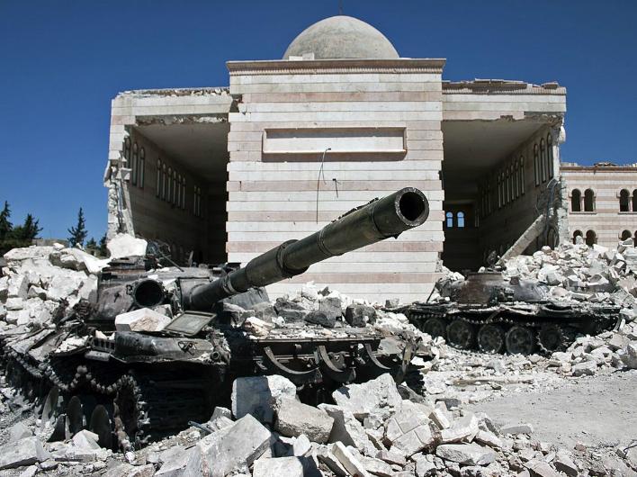 Отряды курдского ополчения отрезали от «столицы» ИГИЛ ключевую трассу снабжения