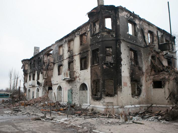 МЧС ДНР заявило, что утром в четверг обстрелы Донецка продолжились
