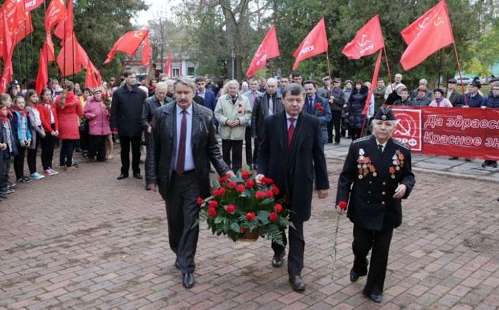 Д.Г. Новиков начал поездку в Крым, где проходят юбилейные мероприятия в честь 95-летия установления Советской власти