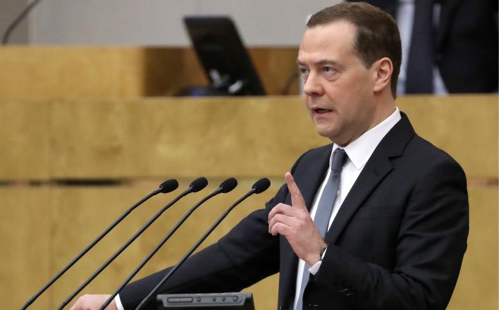 Успешному правительству мешают только бедные россияне