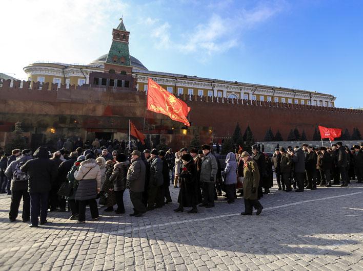 Депутаты от КПРФ против закрытия Мавзолея В.И.Ленина декорациями на День Победы