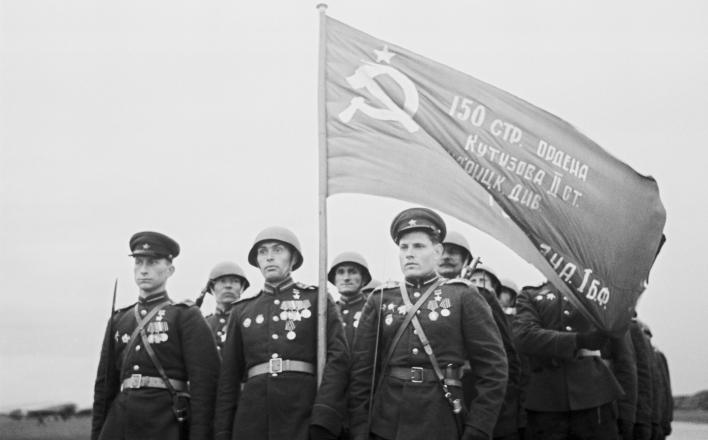 В Одессе запретили использование знамени Победы