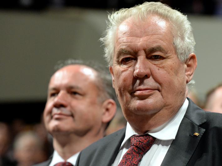 Президент Чехии назвал экономическую помощь Украине бессмысленной