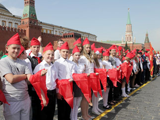 Массовый приём в пионеры в Москве