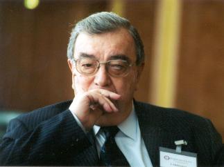 Е. Примаков: Без госпланирования невозможно преодолеть отставание от Запада