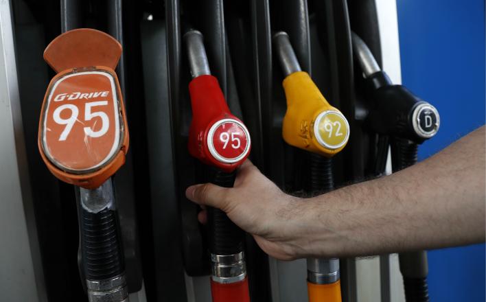 Россияне знают, кто виноват в росте цен на бензин и обнищании страны
