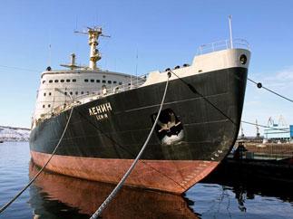 Д.Г. Новиков вручил приветственное письмо Г.А. Зюганова организаторам восстановления первого в мире атомного ледокола «ЛЕНИН»