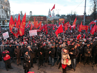 Праздничное шествие и митинг в Москве