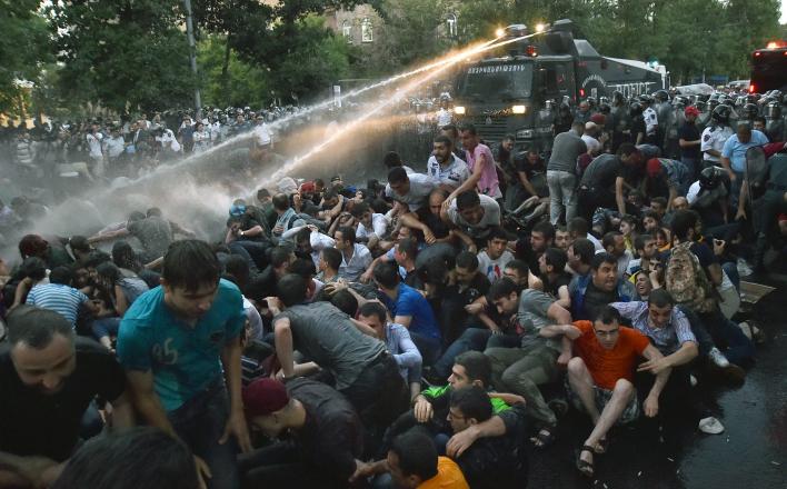Ереван – майдан разогнали, но это не конец