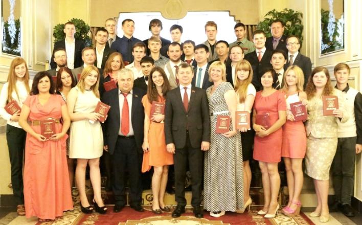 Д.Г. Новиков вручил дипломы выпускникам Центра политической учёбы. Слушатели пятнадцатого потока возвращаются в свои регионы