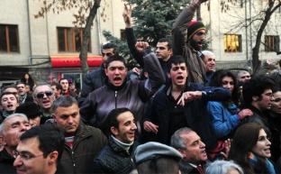 Мятеж перекинулся с Турции на Армению