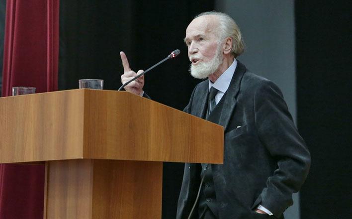 Юрий Белов: «Одна страна и два отечества»