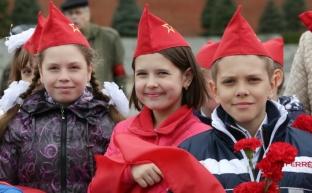 В воскресенье, 21 мая в 11:00 на Красной площади состоится торжественный прием в пионеры
