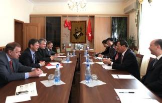 Член Президиума ЦК КПРФ Д.Г. Новиков провел встречу с делегацией коммунистов Китая